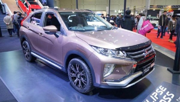 Mitsubishi показала в Токио два новых варианта Eclipse Cross