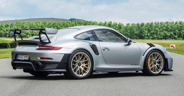 В сеть попало видео с тест-драйва дорожного Porsche 911 GT2 RSZ
