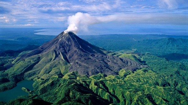 Около 1500 людей эвакуированы из–за извержения вулкана в Папуа — Новая Гвинея