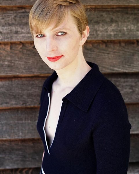 Бывший информатор WikiLeaks трансгендер Челси Мэннинг намерена баллотироваться в Сенат