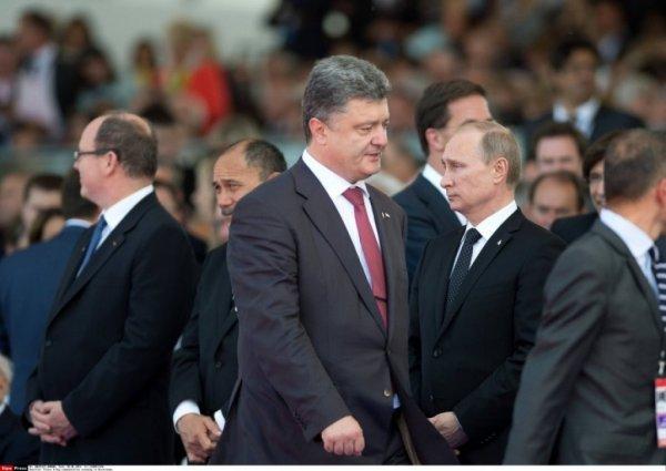 Песков рассказал о секретных встречах Путина и Порошенко