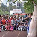 В детском саду Китая малышам показали, как разделывать свинью
