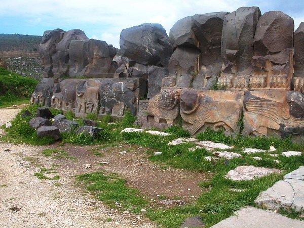 В Сирии во время военной операции повредили древний храм
