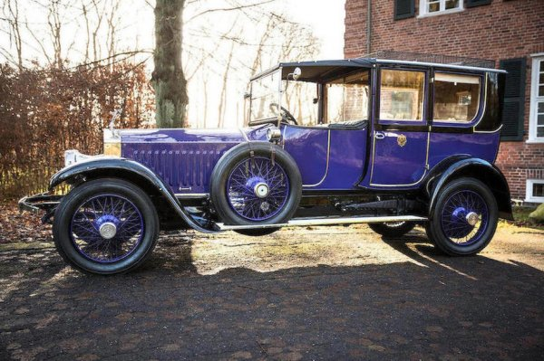 Фальшивка за 278 млн рублей: Rolls-Royce Николая II оказался подделкой