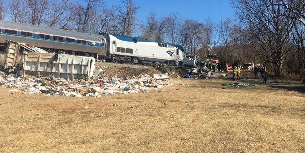 Один человек погиб в итоге аварии поезда с членами Конгресса США
