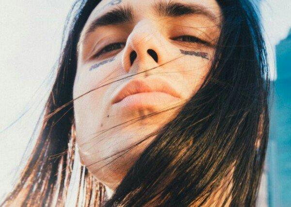Рэпер Face порекомендовал молодежи валить подальше из России