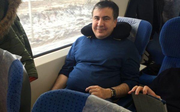 Михаил Саакашвили пообещал сторонникам вернуться в Украину