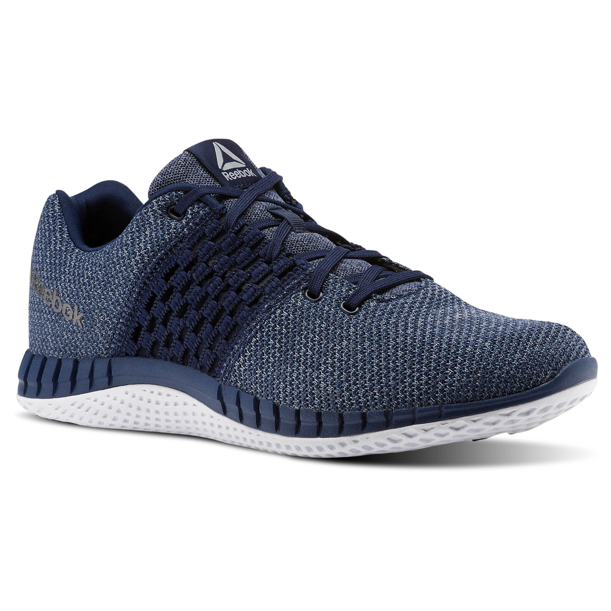 Большой выбор спортивной одежды и обуви