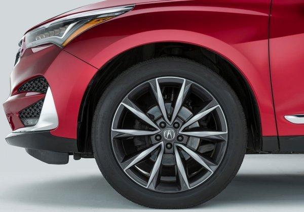 Опубликован первый тизер серийного кроссовера Acura RDX