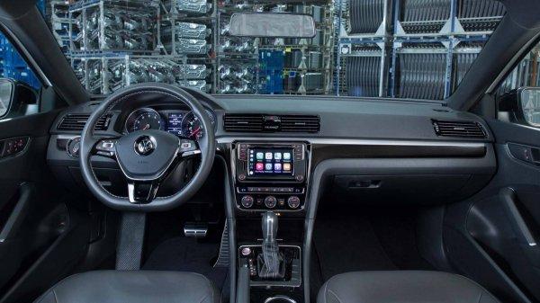 Volkswagen приостановил производство Passat из-за низкого спроса