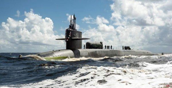 ВМС США приняли на вооружение новую атомную подводную лодку