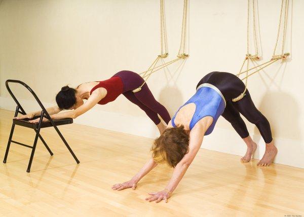 100-килограммовая американка стала мастером йоги