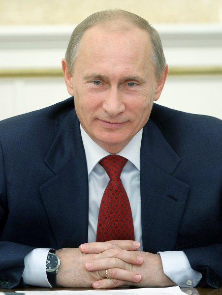 Путин: Ответственность за нападения на врачей необходимо усилить