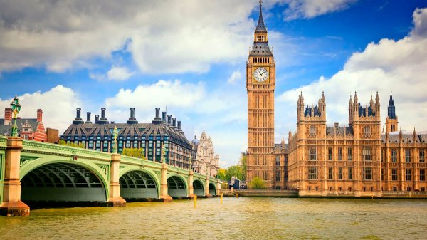 Великобритания оправдалась за атаку на Сирию