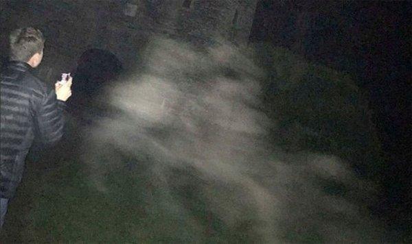 Туристы запечатлели на камеру призрак в старинном замке Британии
