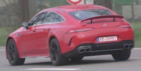 Новый Mercedes-AMG GT 4-Door Coupe показали на шпионских снимках
