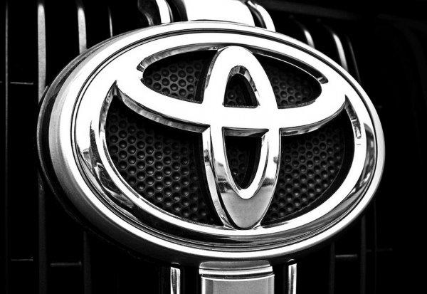 Автомобили Toyota через три года научат разговаривать