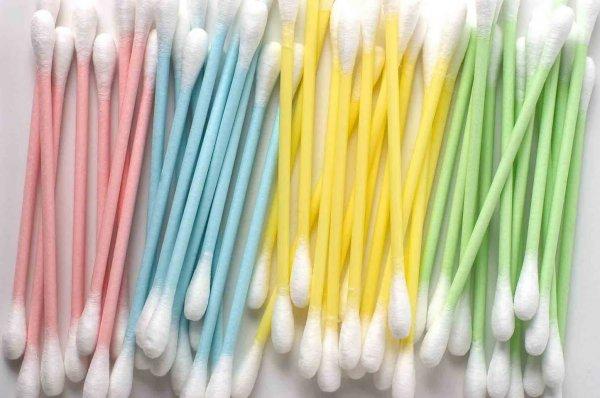 Великобритания планирует запретить ватные палочки и пластиковые трубочки