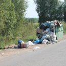 Белорусов заставили убирать за собой мусор в Польше