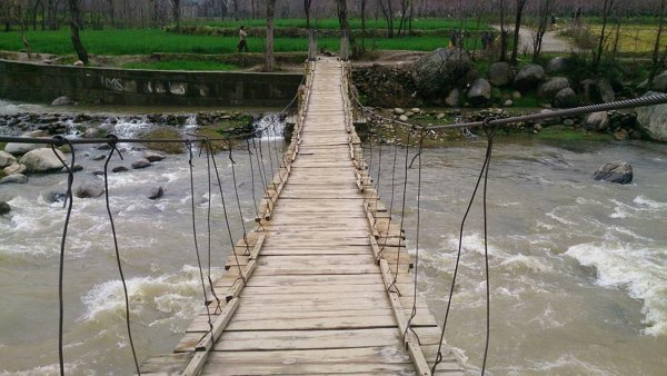 В Пакистане из-за обрушения моста погибли не менее пяти человек