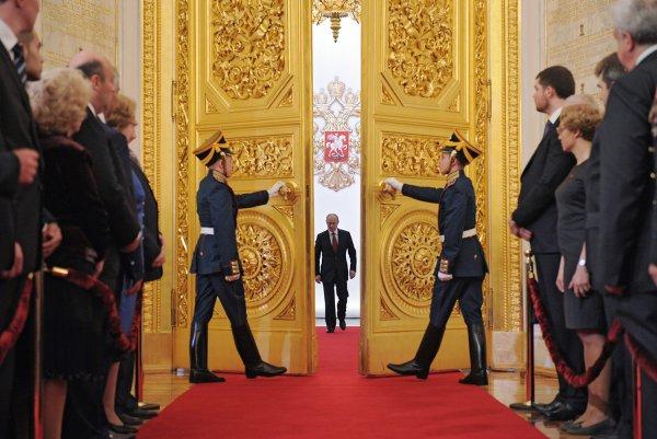 СМИ: США пытались помешать Путину стать президентом