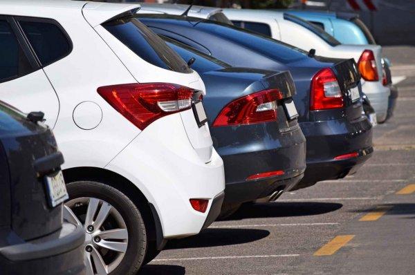 Мэр Уфы заявил о резервных 100 тысячах парковочных мест