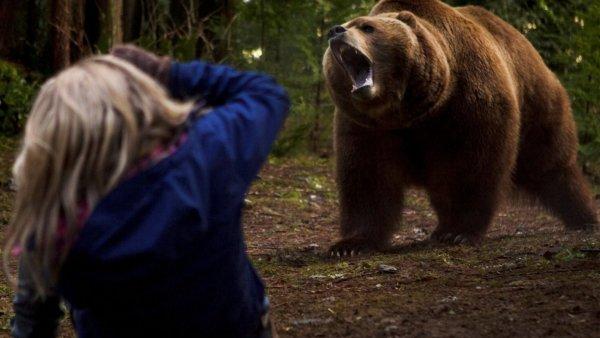 Мать спасла пятилетнюю дочь от смертельной хватки медведя