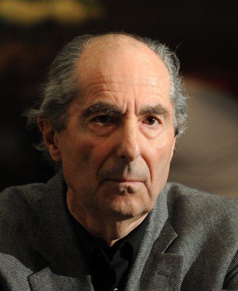 В США умер лауреат Пулитцеровской премии Филип Рот