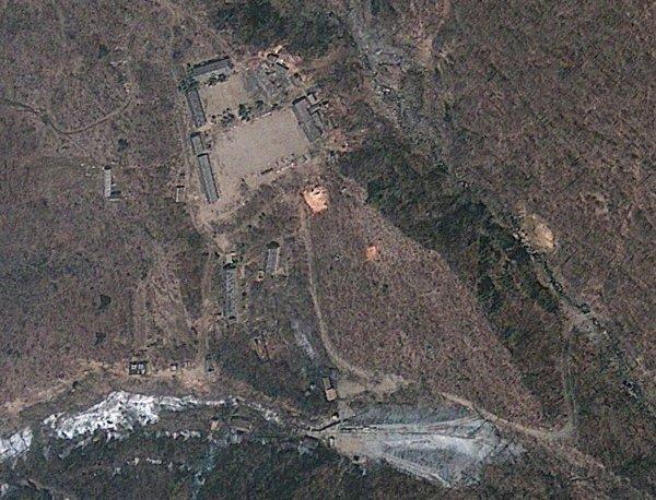 В КНДР взорвали полигон для испытания баллистических ракет