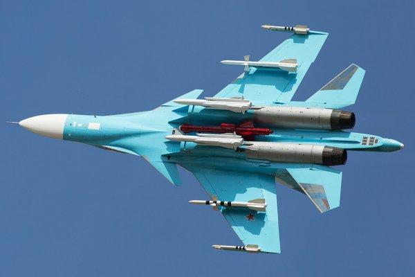 Российский бомбардировщик Су-34 замечен в небе над Триполи