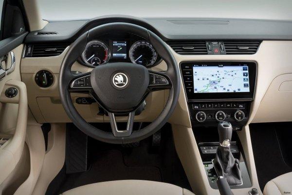 Новые моторы и платформа: Skoda тестирует Octavia 2020