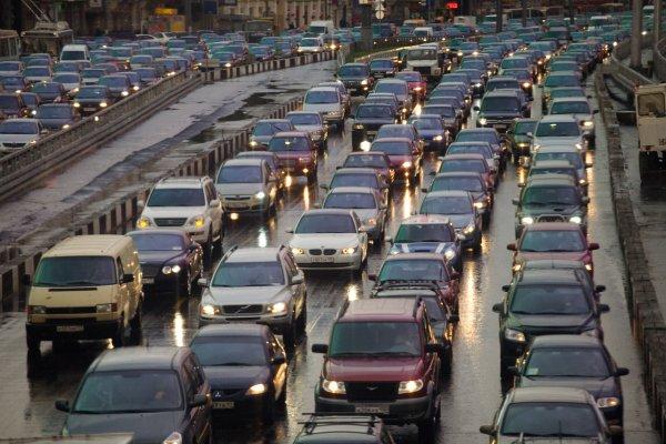100 автомобилей в ожидании въезда в РФ из Финляндии