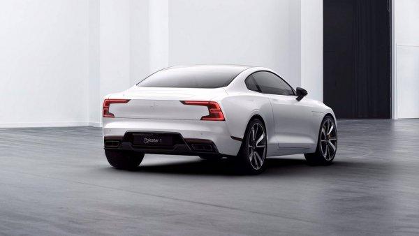 Volvo увеличит количество своих электрокаров и робомобилей