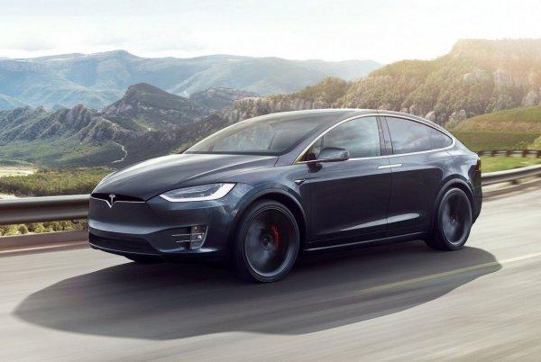 Автопилот Tesla станет полностью автономным уже в августе