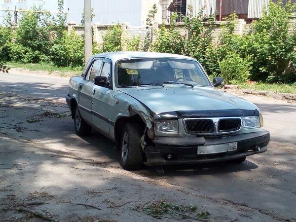 Воронежцы объяснили брошенные на улицах машины ценами на бензин