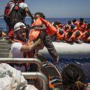 В Валенсию прибыли первые мигранты с судна Aquarius