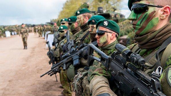 ДТП и пьяные драки: Солдаты НАТО опозорились на учениях в Прибалтике