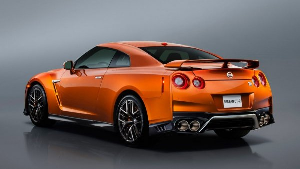 Эксперты рассказали о новом Nissan GT-R 2018 после тест-драйва