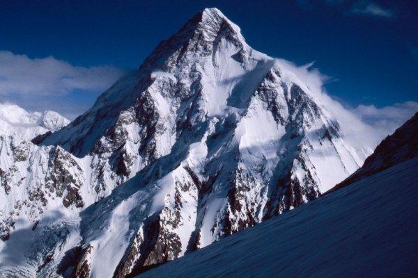 Альпинисты оставляют тонны мусора на Эвересте