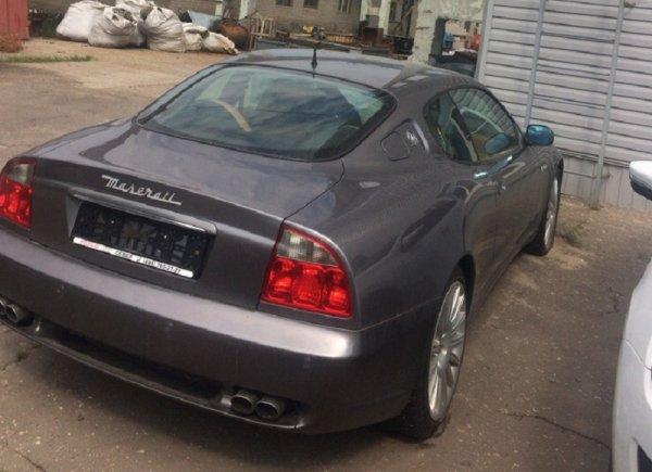 В Воронеже нашли брошенный Maserati Coupe со спущенными колесами