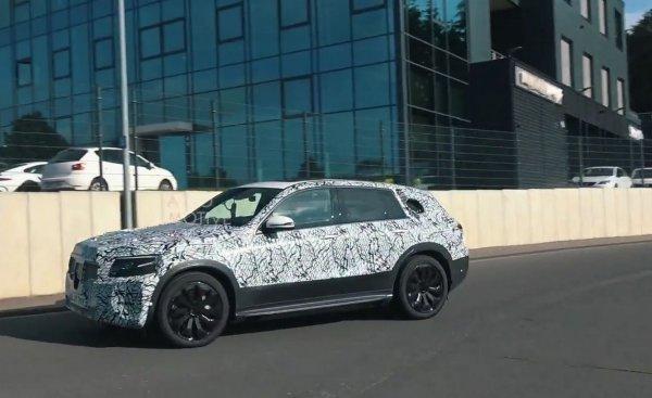 На Нюрбургринге замечен электрический кроссовер Mercedes-Benz EQ C