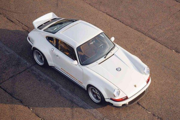 Представлено новое купе Singer DLS на базе Porsche 911