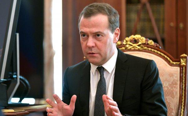 Медведев сравнил усиление санкций с началом торговой войны