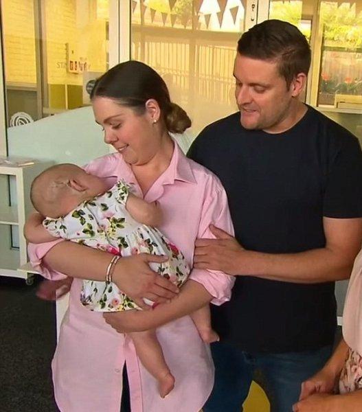 В Сиднее после операции 6-месячная глухая девочка обрела слух