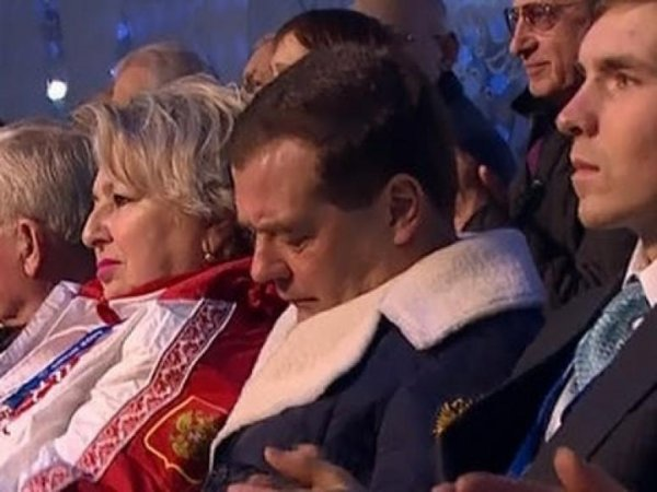 Спать на Олимпиаде и кормить уточек: Как и где Дмитрий Медведев отметит день рождения