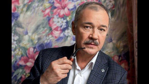 Супруга Леонова-Гладышева опровергла данные о его коме