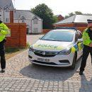 В русском стиле: Британская дорожная полиция ловит нарушителей «из кустов»