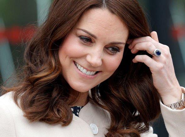 Букингемский дворец назвал стоимость обручального кольца принцессы Евгении