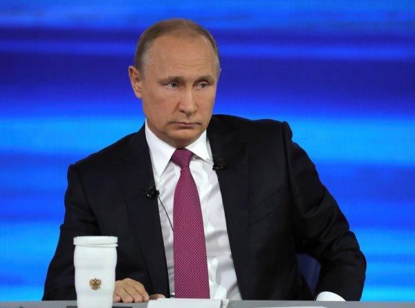 Путин ответил на критику Запада по поводу выборов на Донбассе