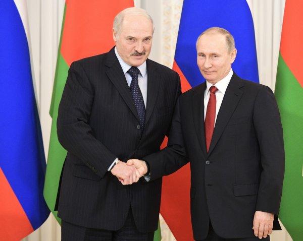 Лукашенко извинился перед Путиным за публичный спор о цене газа
